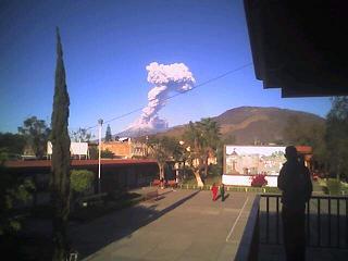 Erupción del Volcán de Fuego de Colima.